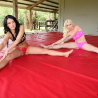 Fit wives Stevie and Shae facesitting spandex shorts attired man in bare feet