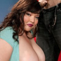 Brunette BBW Kelly Shibari makes a man happy with her huge boobs and nipples