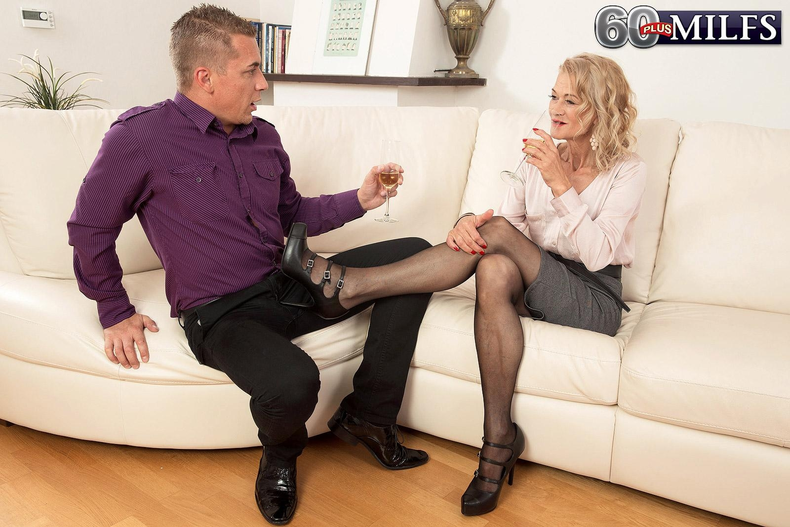 Hot older woman Beata gives a ball licking blowjob after seducing a younger man