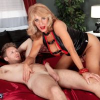 Leggy blonde granny Phoenix Skye giving large cock handjob and blowjob in high heels