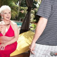 Over 60 grandmother Jewel loosing big tits from bikini before doggystyle fucking