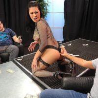 Brunette stripper London Keyes giving blowjob before getting fucked for money