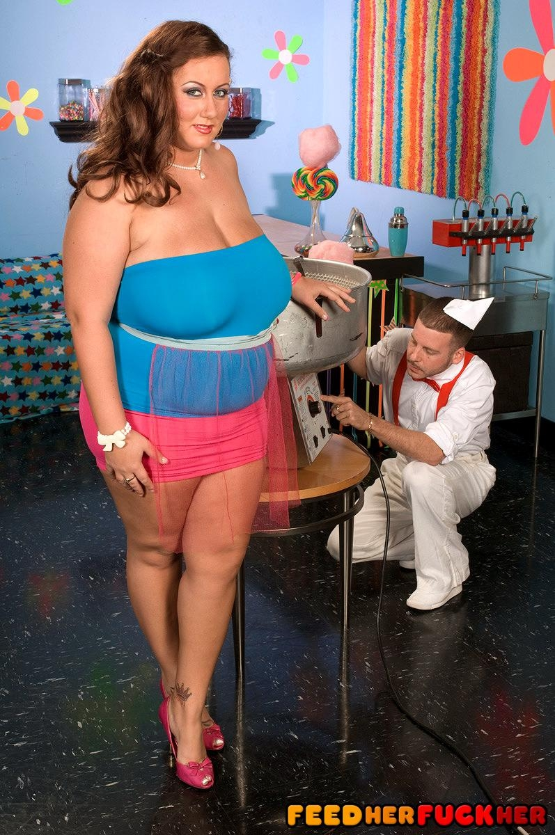 Obese female Rose Valentina masturbating while eating cotton candy