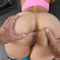Pornstar Kelsi Monroe offers up her nice ass for anal fucking in weight room