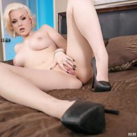 Sexy blonde MILF Jenna Ivory taking it hard in the ass after giving a blowjob