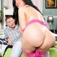 Latina female Daylene Rio seduces a man with her fat ass and huge breasts
