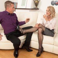 Hot older woman Beata gives a ball licking blowjob after seducing a younger man
