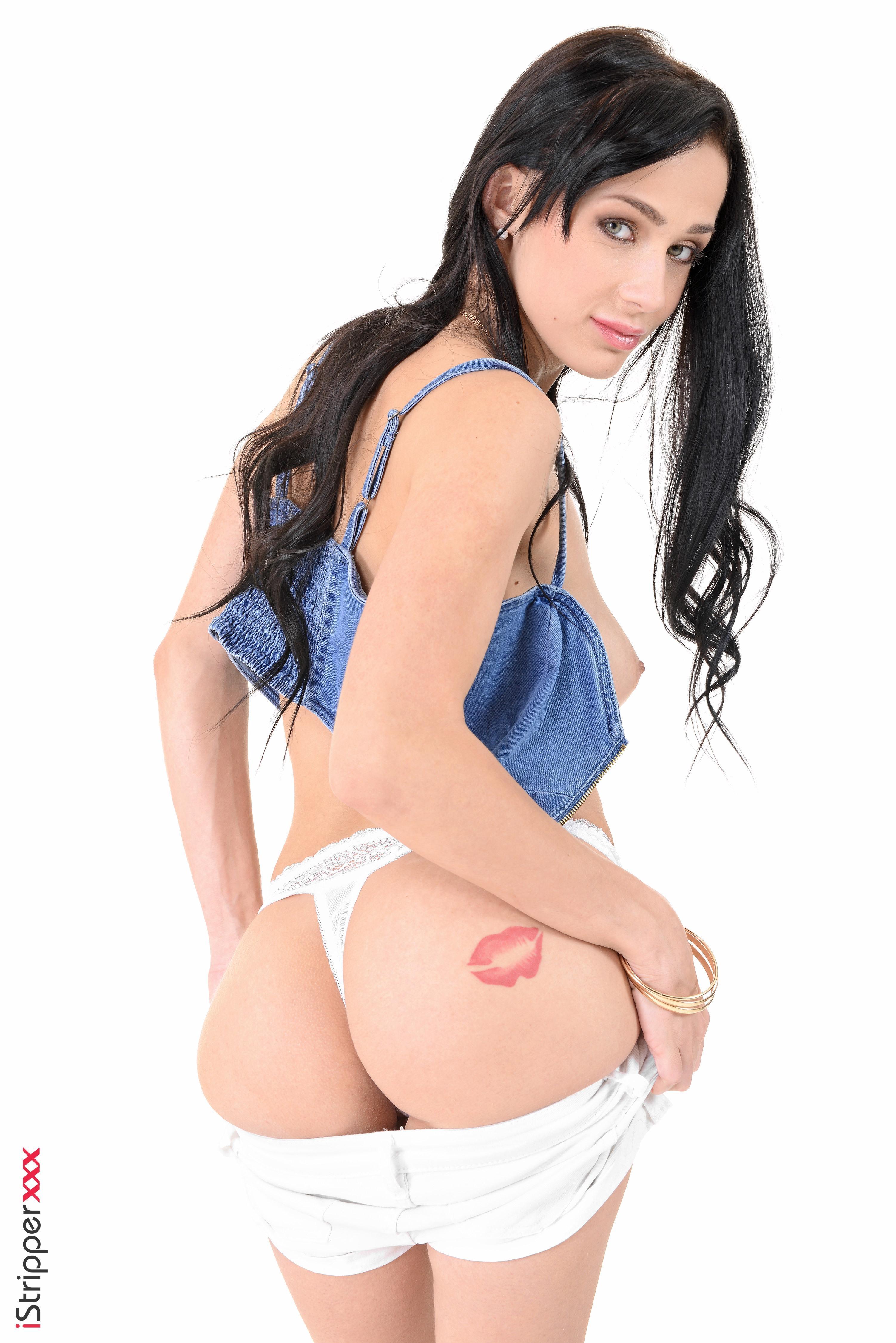 Dark haired female Nicole Love uncovers her big natural tits prior to masturbating