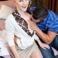 Nerdy schoolgirl Cassidy Ryan grabs hold of her boyfriend`s large dick in her bedroom