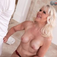 Hot granny Lady S blows her masseur after massage and losing her brassiere