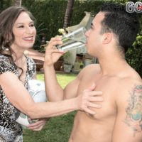 Over 60 MILF Mona gives a blowjob after seducing a younger man in her backyard