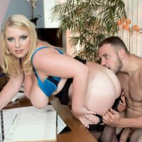Overweight blonde secretary Scarlett Rouge seduces her manager while in his office