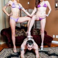 Lumbering bathing suit adorned girls Sophia and Lucille abase back door eating subby hubby